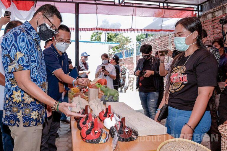 Sandiaga Uno : Produk-produk Ekonomi Kreatif di Cirebon Miliki Kualitas yang Baik