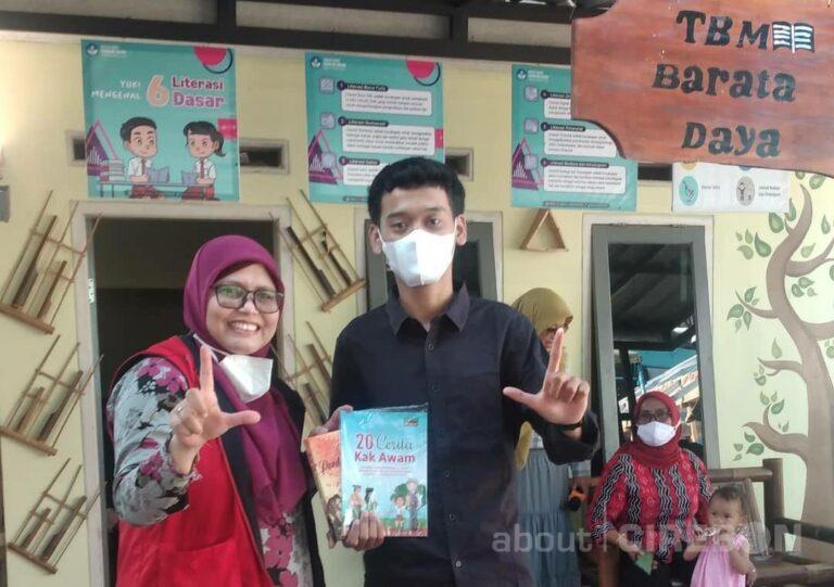 Kampung Dongeng Kuningan Salurkan Buku Bacaan untuk Taman Baca Masyarakat