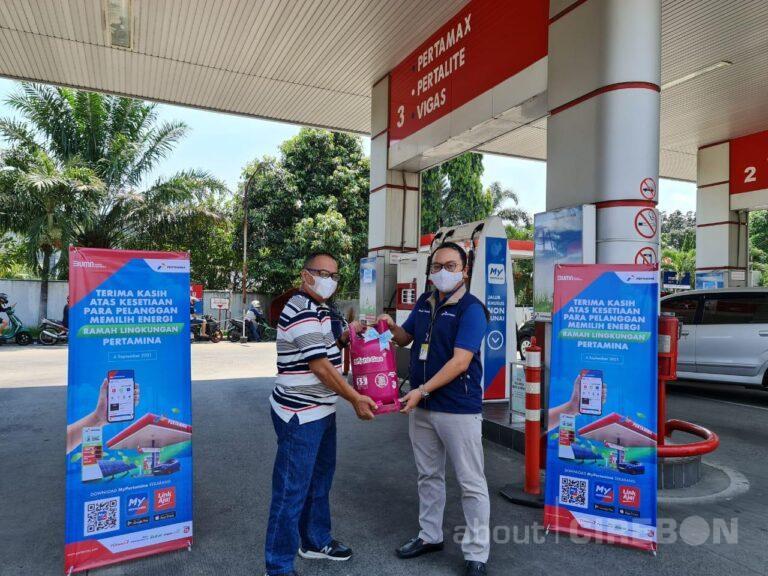 Hari Pelanggan Nasional, Pertamina Beri Kejutan di Program Grebek SPBU