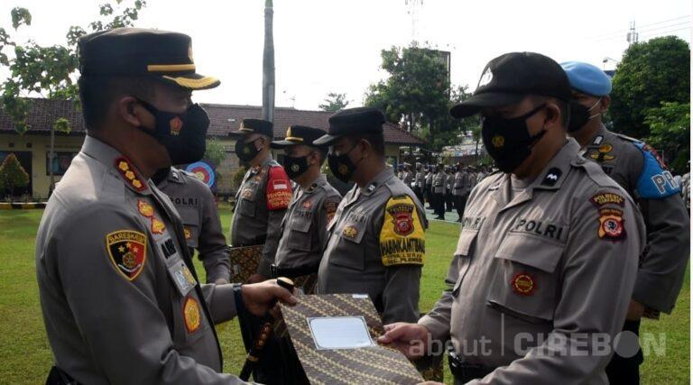 Personel Berprestasi, Kapolresta Cirebon Beri Penghargaan