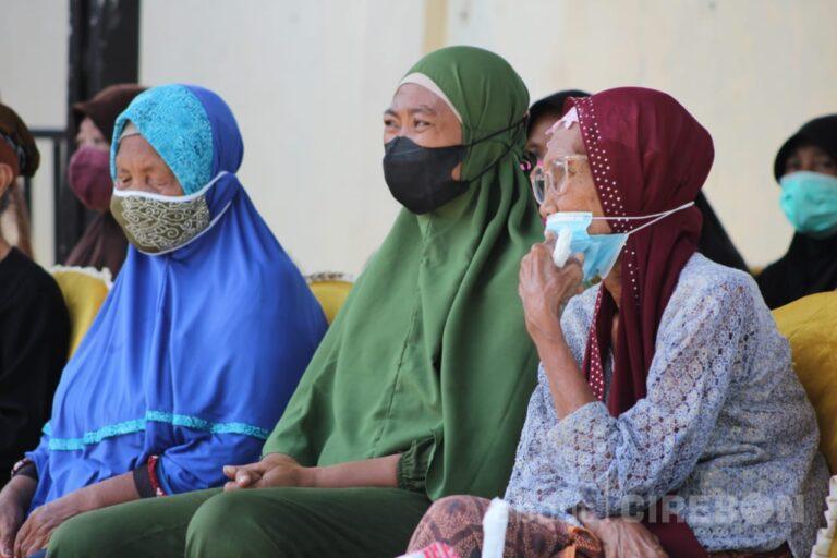 Vaksinasi untuk Lansia di Kabupaten Cirebon Gencar Dilakukan