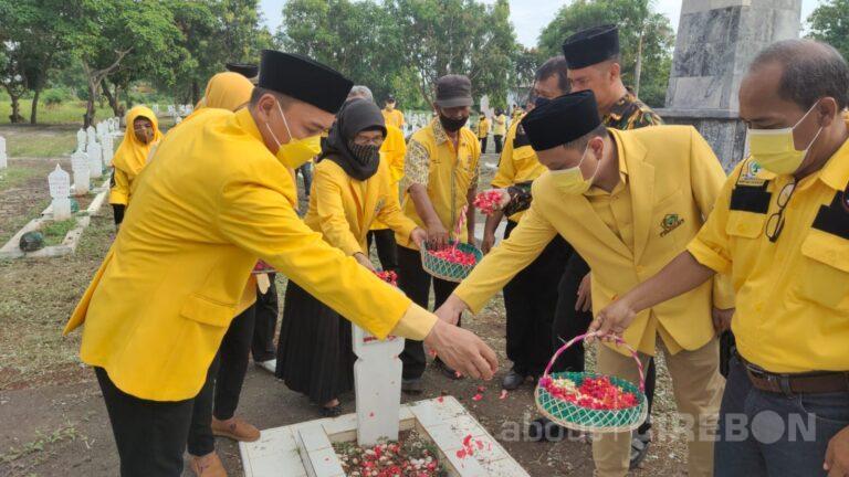Mengenang Para Pahlawan, HUT Partai Golkar ke-57 Gelar Ziarah dan Tabur Bunga