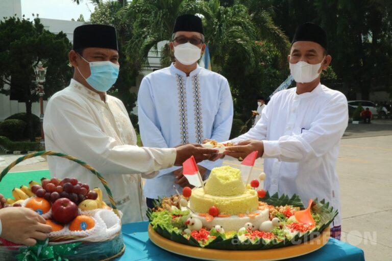 Sekda Kota Cirebon Pimpin Upacara Peringatan Hari Santri 2021