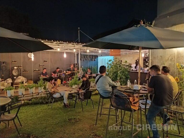 GH Kopi Cirebon Hadirkan Live Musik Jazz